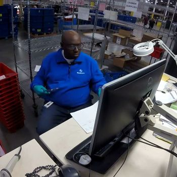 Medtronic employee at UPS Distribution Center