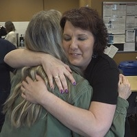 Heart valve patient Jodi Helgeson meets the people who built her valve
